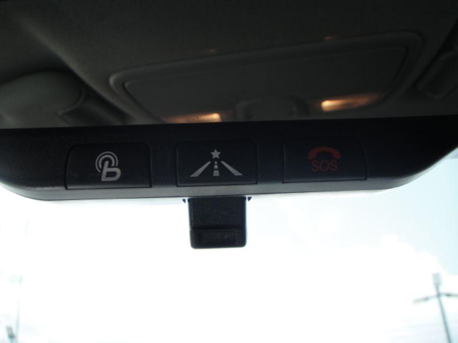2012 Hyundai Veloster Base w/Black