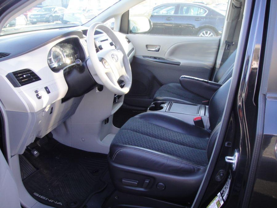 2013 Toyota Sienna SE